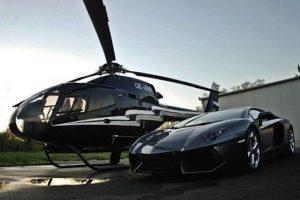 Helikoptéra a auto